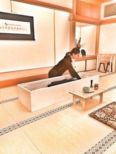 禮儀師許伊妃走向國際 台首位獲日本納棺師認定