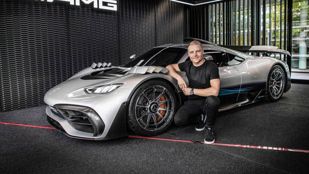 F1車手Valtteri Bottas與Mercedes-AMG One。 摘自...