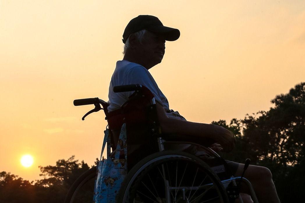 台灣失智症協會認為,針對高風險家庭,應由政府資源主動介入協助。 圖/報系...