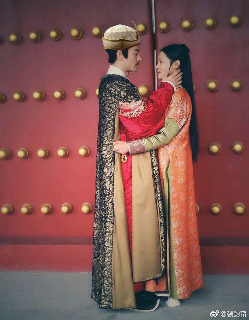 辛芷蕾在「如懿傳」中癡愛母族「王爺」。圖/摘自微博