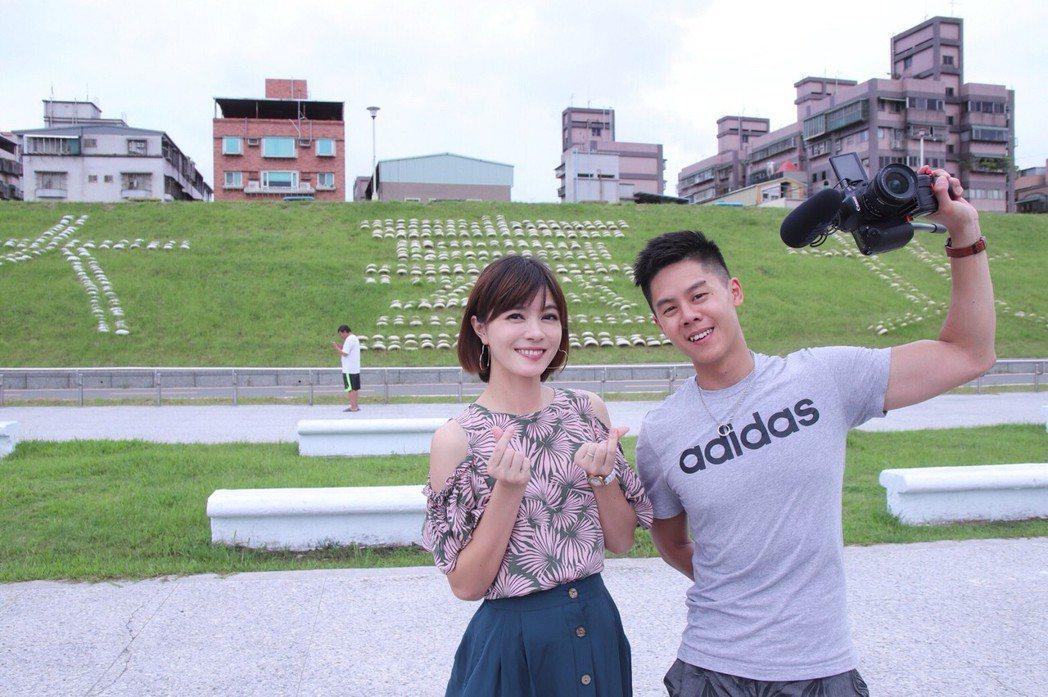 彭佳芸(左)與馬來西亞YouTuber艾爾文。圖/彭佳芸提供