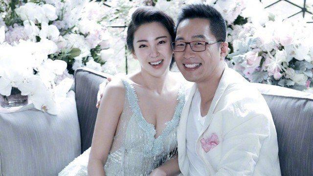 張雨綺(左)與袁巴元(右)宣告即將離婚。圖/摘自微博