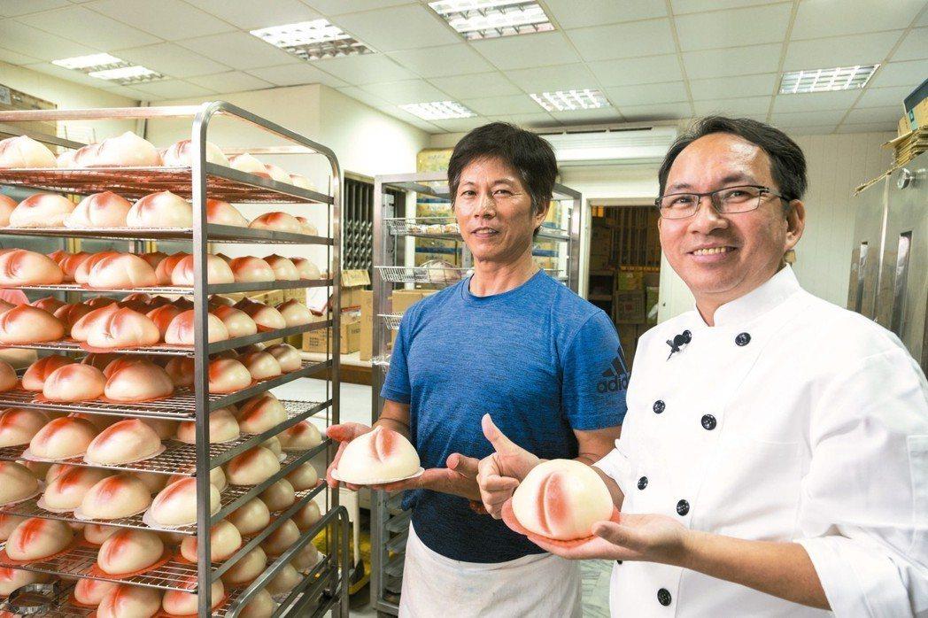 純榮雖是西點麵包店,壽桃卻是代表作。 圖/陳立凱攝影