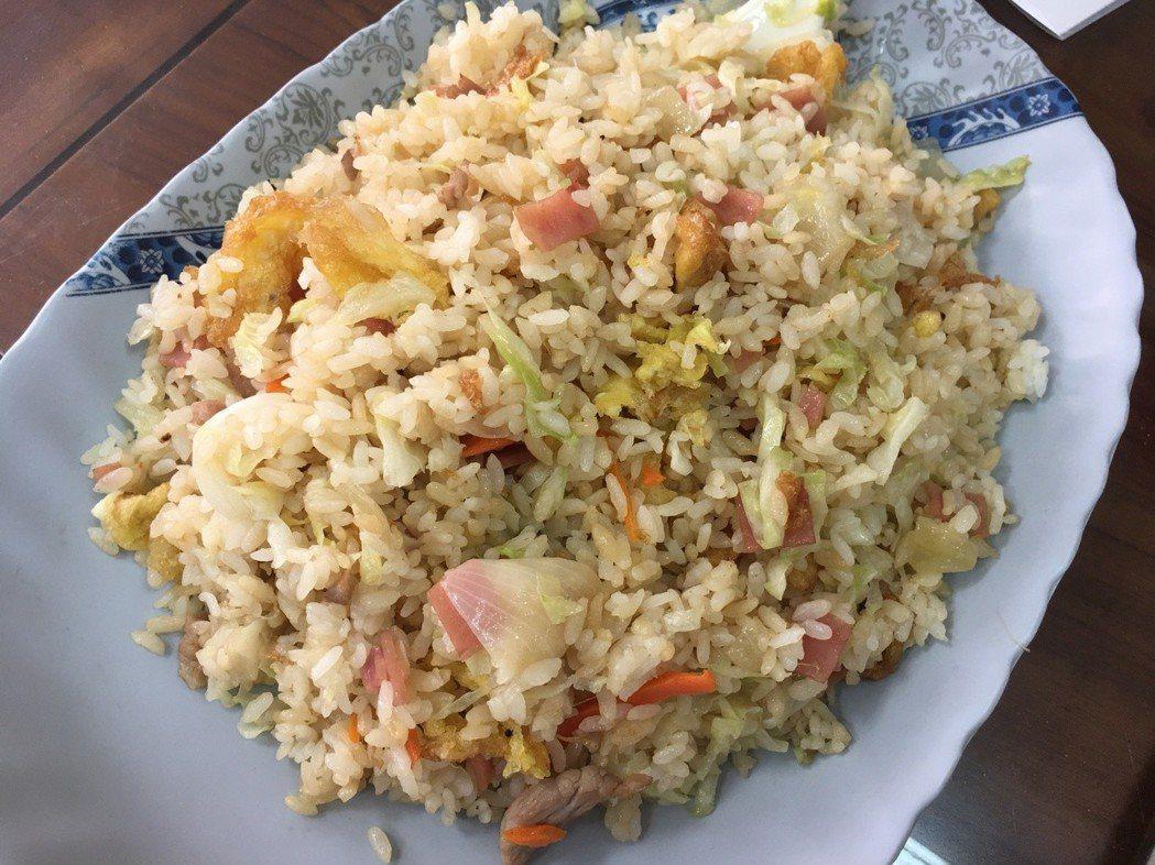 火腿蔬菜蛋炒飯。記者吳淑玲/攝影