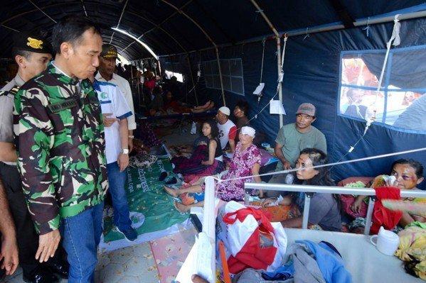 印尼蘇拉威西島上周五發生芮氏規模7.5的淺層超強地震,連帶引發海嘯襲擊,災後滿目...
