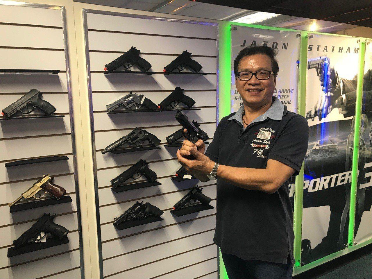 中華民國玩具槍協會理事長陳書紘。 張傑/攝影