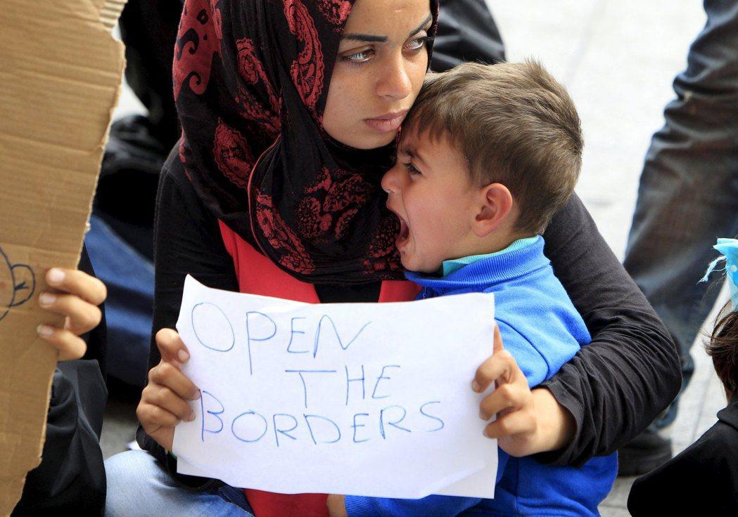 歐洲議會早在11年時就已對匈牙利「警告」,但並未引起廣大反響。在難民危機所促成的...