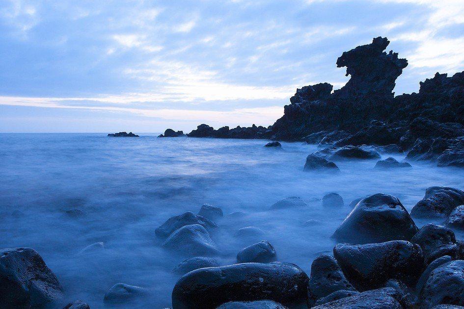龍頭岩 용두암。 圖/daum.net