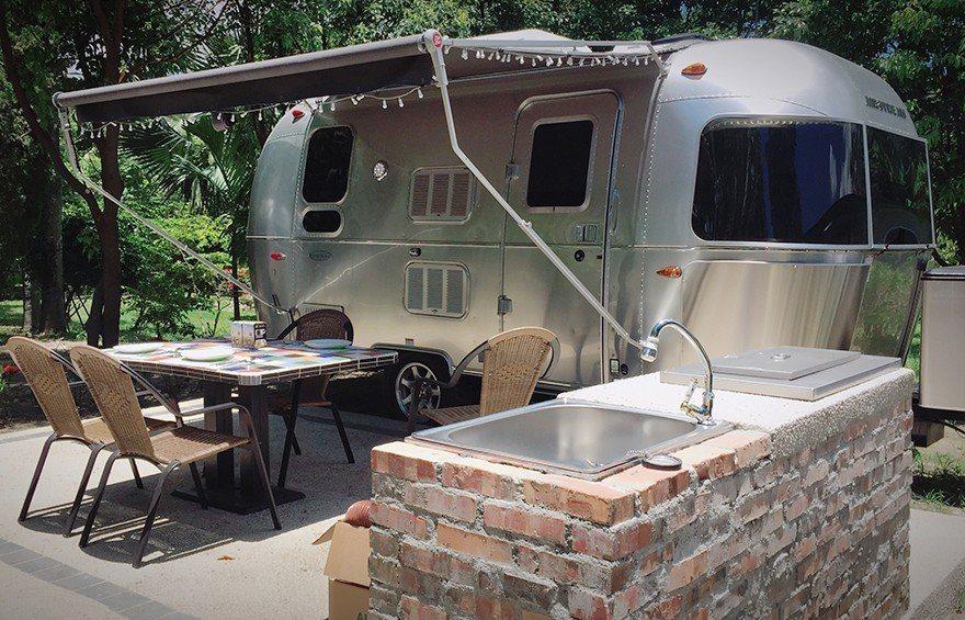 ▲懶人露營推薦玩法-BBQ露營車。(圖/Tripbaa趣吧!亞洲自由行專家)
