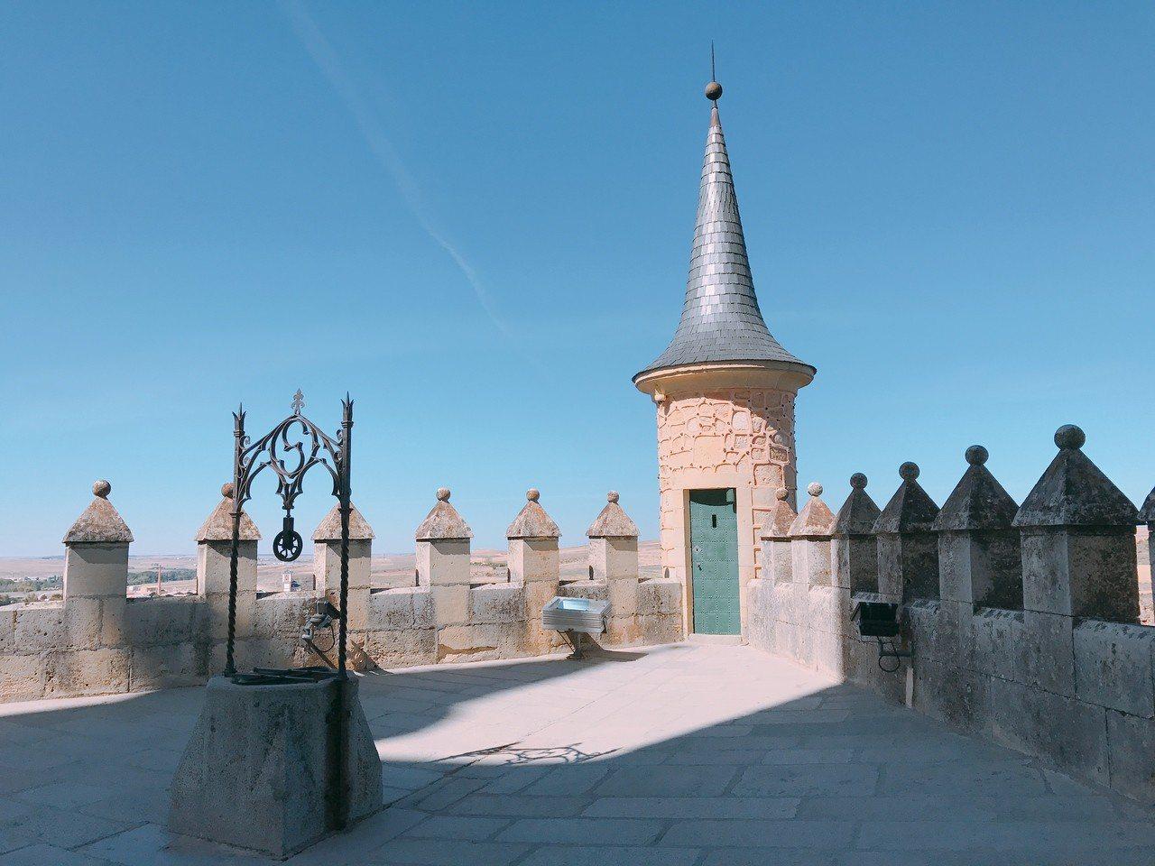 ▲歐洲天空之城-塞哥維亞城堡。(圖/Tripbaa趣吧!亞洲自由行專家)