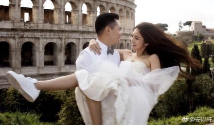 安以軒和老公陳榮煉去年到海外拍攝婚紗照。圖/摘自微博