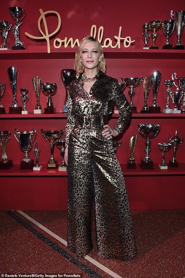 凱特布蘭琪在珠寶品牌Pomellato的活動上以Sara Battaglia豹紋...