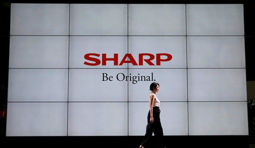 鴻海旗下日本企業夏普今(1)日宣布正式收購東芝的電腦事業。      路透