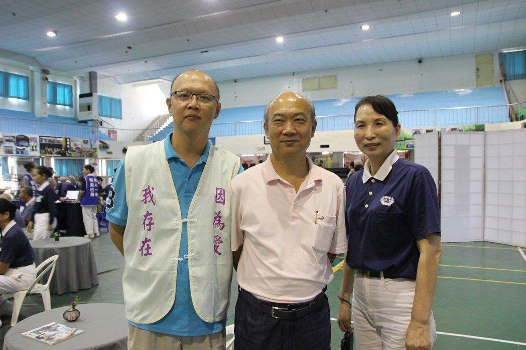 38歲陳文煜(左)過去罹患血癌,卻在一年內配對到吻合的骨髓幹細胞,經移植治療後重...