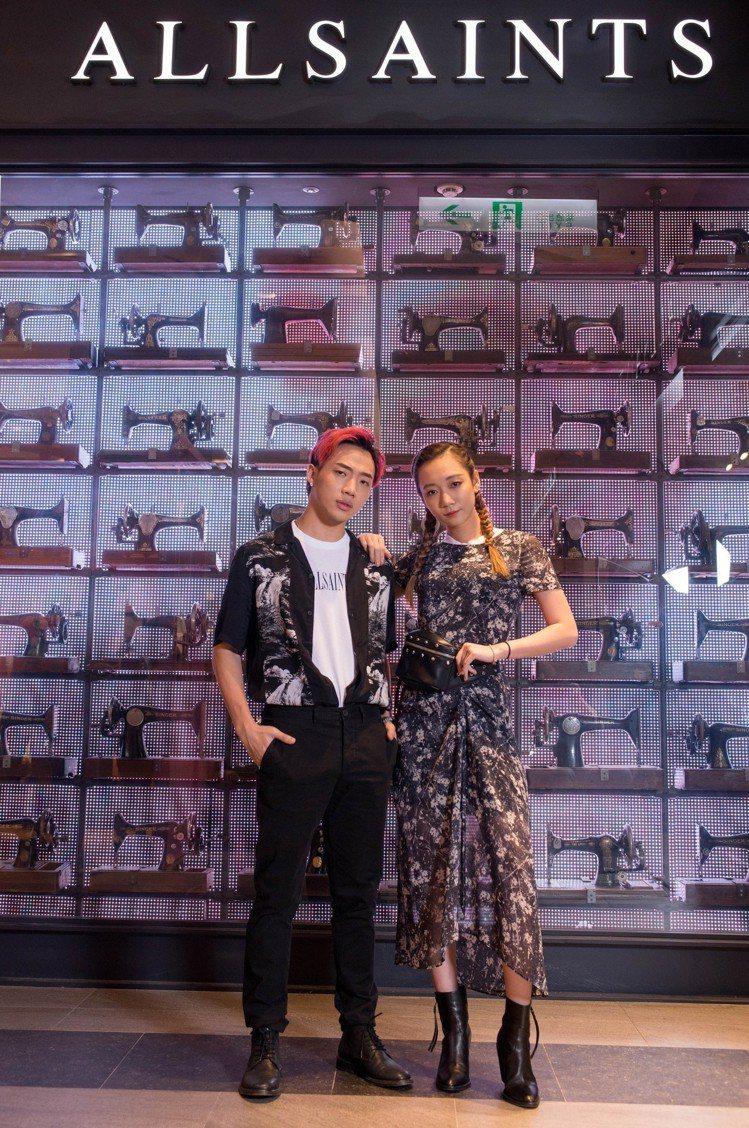 歌手ØZI(左)與吳卓源出席AllSaints秋冬系列新品發表。圖/AllSai...