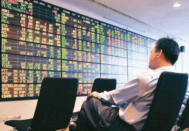 外資上周對亞股是賣多買少,台股逆勢吸金,印尼、越南和馬來西亞獲小幅買超。 本報系...