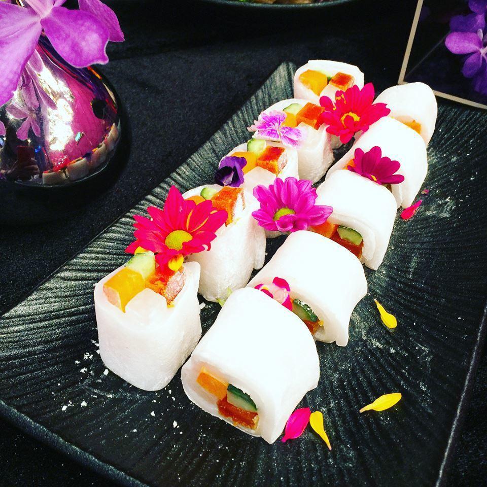 日式風格濃厚的烏魚子鎮冰捲,是典華廚藝團隊研發出來的創意獨家菜色。鄭芝珊/攝影