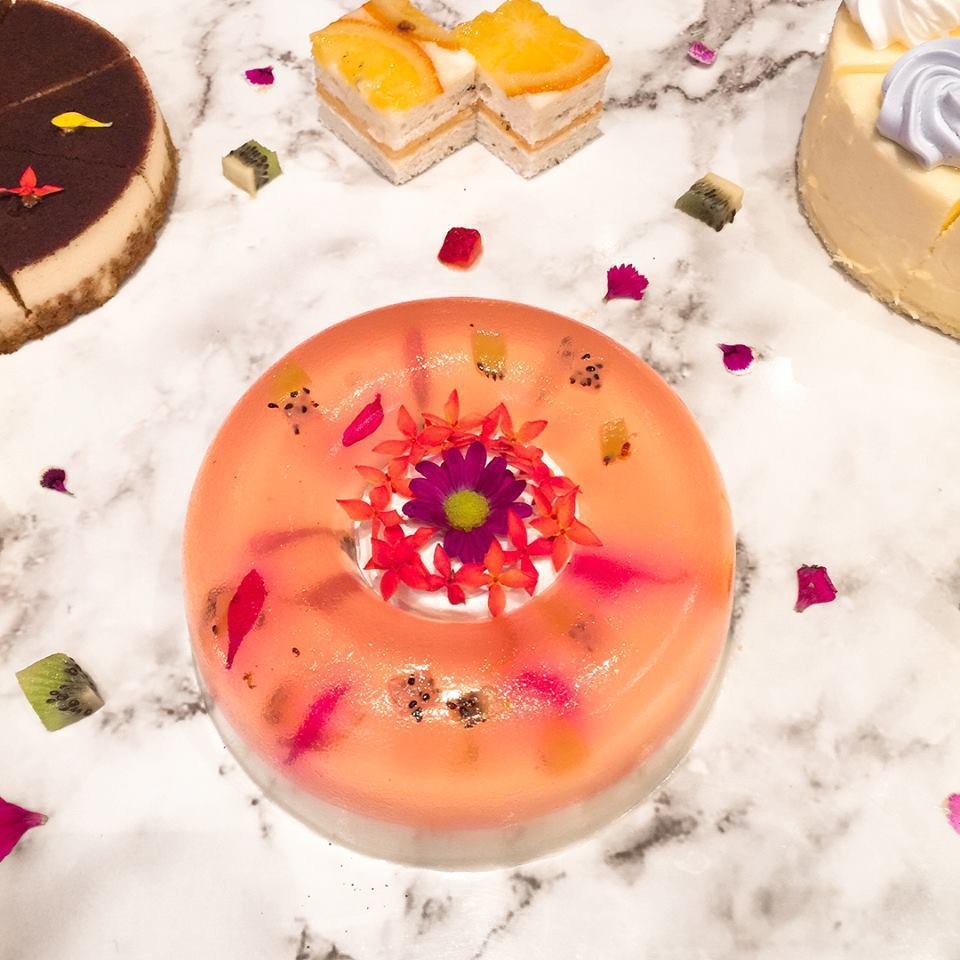宴會尾聲甜點-花花世界,為大人們的宴會畫下一個完美的句點。鄭芝珊/攝影