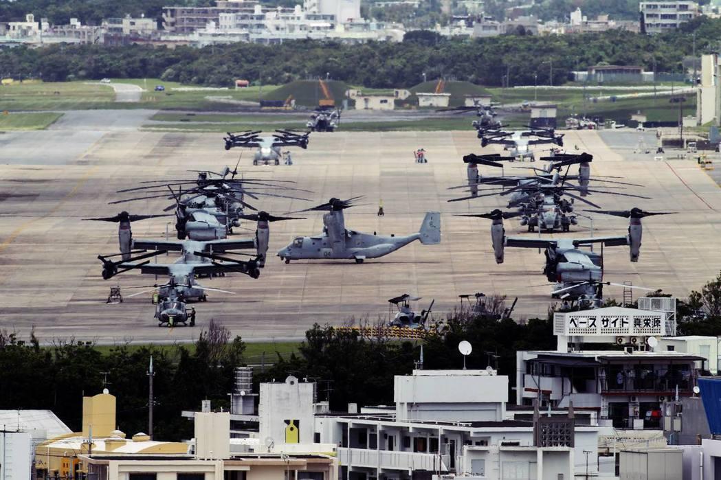 攸關日美軍事同盟的沖繩美軍基地爭議,一方面牽動東亞軍事平衡,另一方面也涉及長年來...