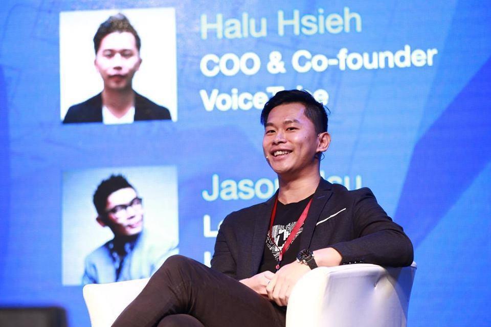 謝祥凡原本在鴻海工作,因緣際會下認識了VoiceTube的另一位創辦人詹益維,而...