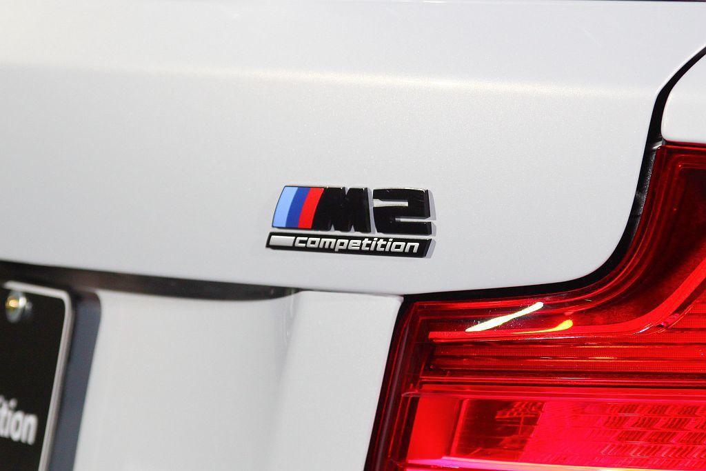 車尾黑色M Competition專屬銘牌。 記者張振群/攝影