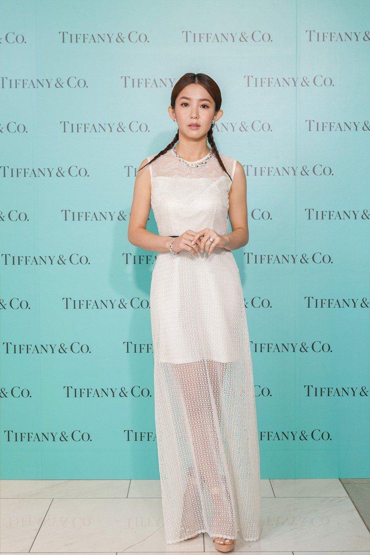 郭書瑤出席Tiffany Love 鑽戒系列概念店開幕,表示最羨慕外公外婆相愛6...