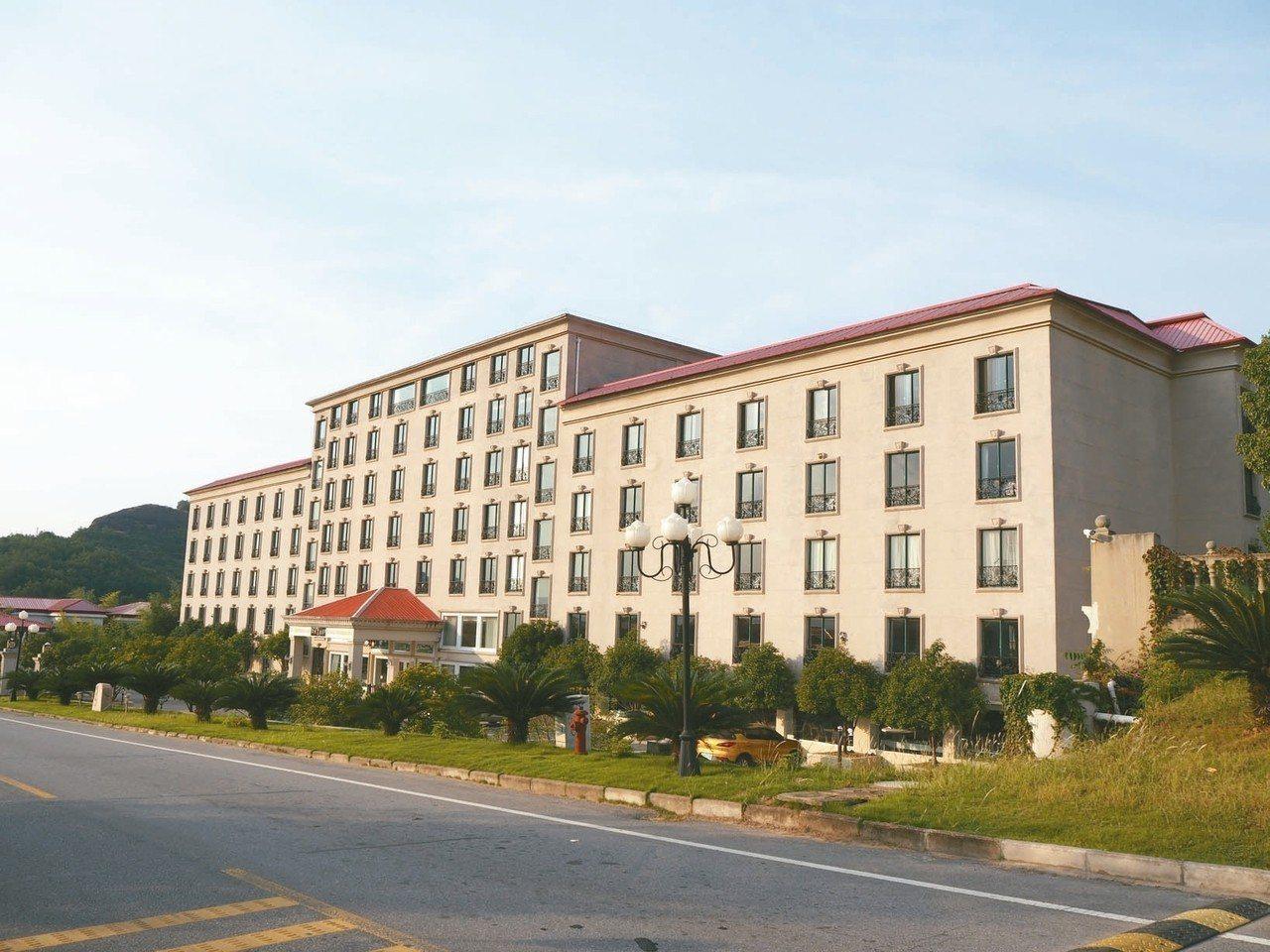 小村精品酒店,專業團隊進駐,食宿等級大有提升。 特派記者羅建怡/攝影