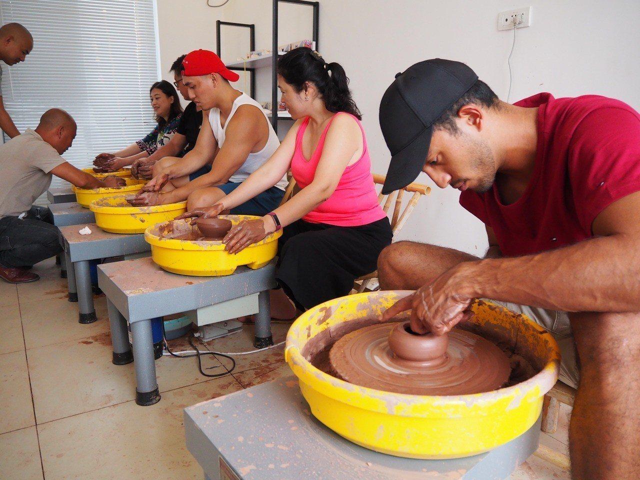 小村內有各種與藝術、生活相關的免費體驗活動。 特派記者羅建怡/攝影
