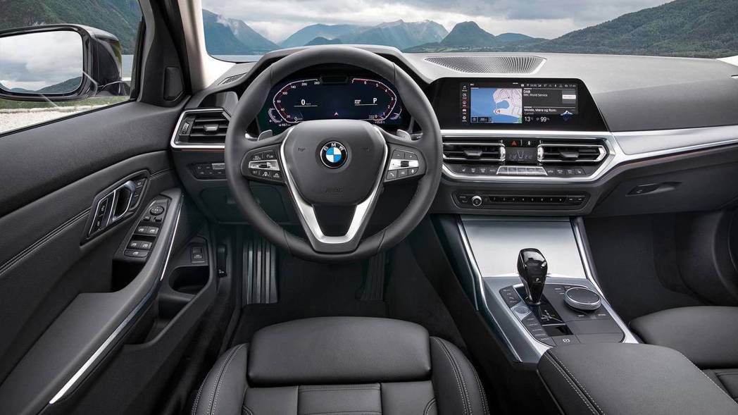 3-Series標準版本的內裝相對於上個世代有大幅的提升。 摘自BMW