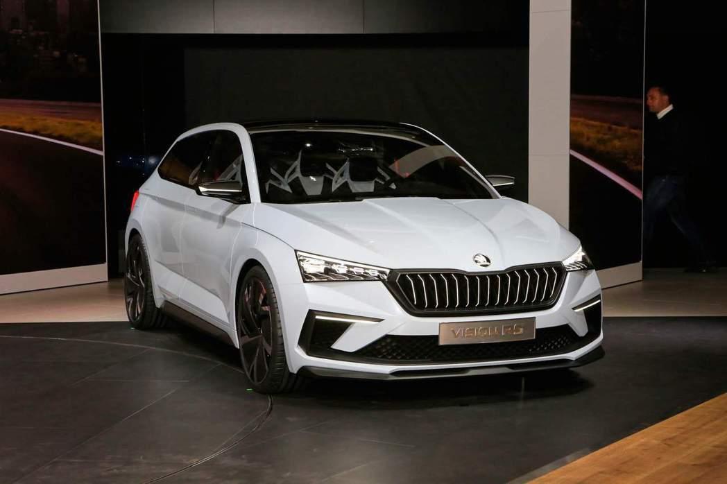 Vision RS概念車於巴黎車展登場。 摘自carscoops