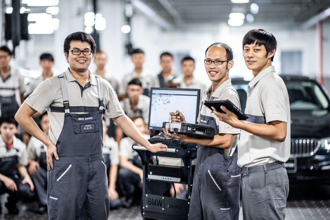 原廠認證服務團隊,提供專業諮詢與維修服務。 圖/汎德提供
