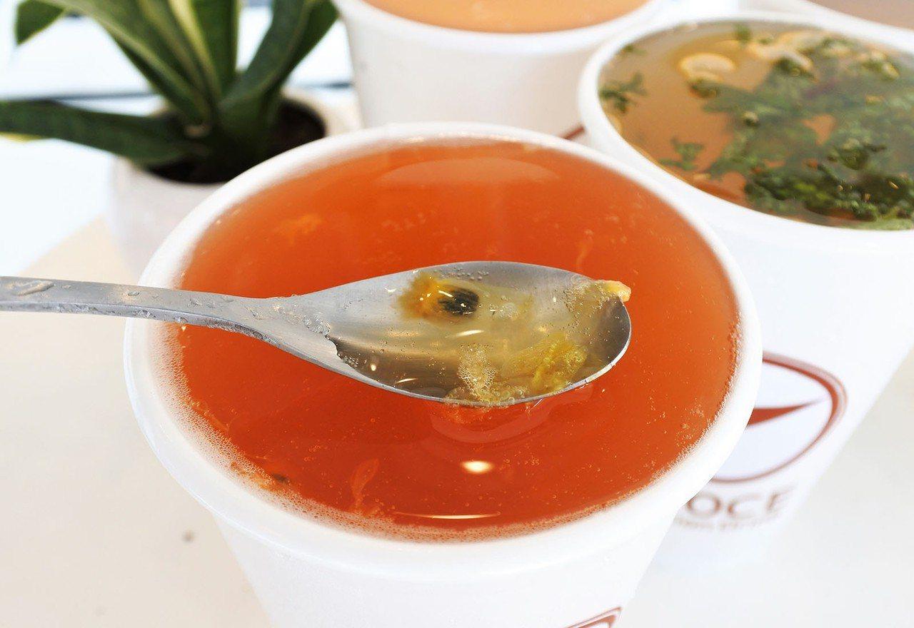 (圖/台灣旅行趣) ▲深橘的色澤,是來自枸杞研磨熬煮後的自然呈現,剛開始飲用時鮮...