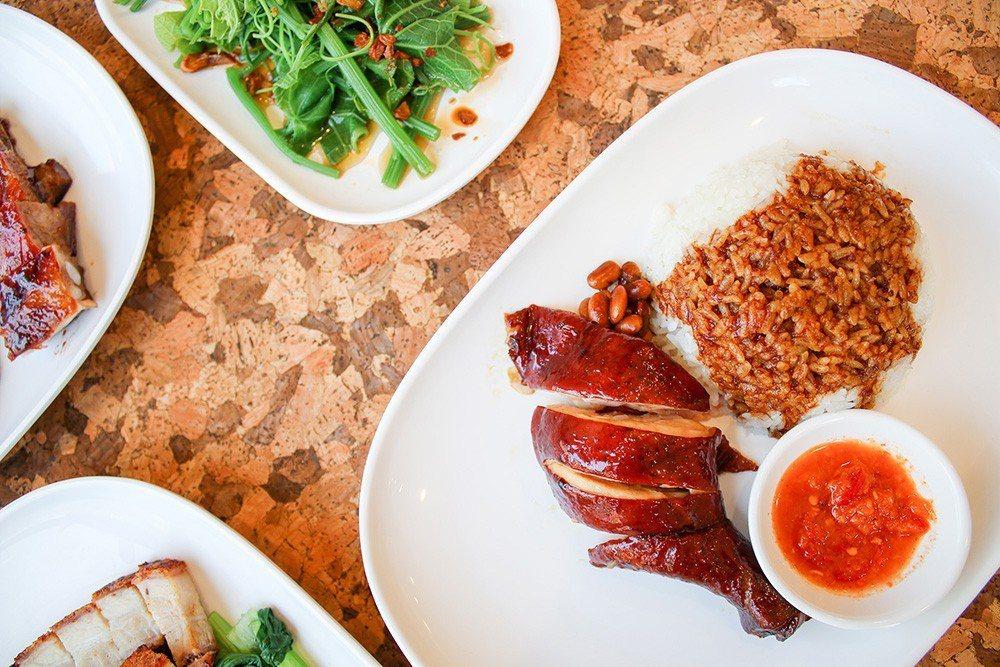 (圖/台灣旅行趣) ▲【了凡】的「招牌油雞」,平民的價格享受米其林料理。