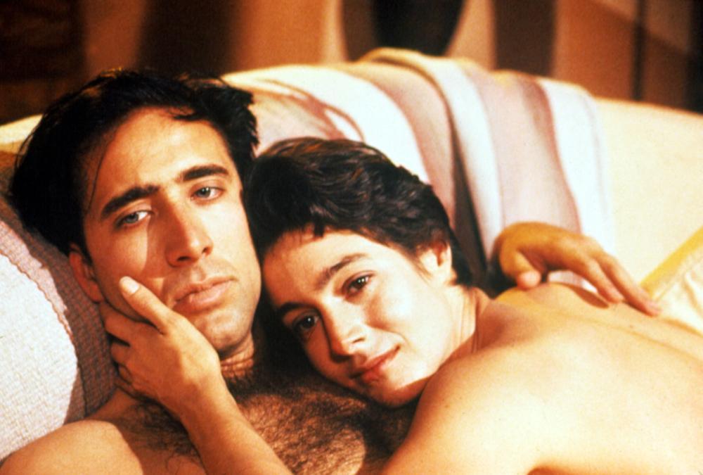 尼可拉斯凱吉與西恩楊在「火鳥出擊」有床戲。圖/摘自cinemastance