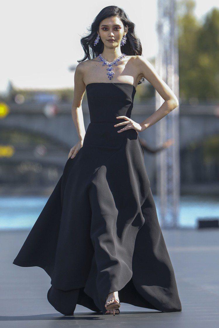 超模奚夢瑤穿Elie Saab禮服演繹蕭邦「La Parisienne」頂級珠寶...