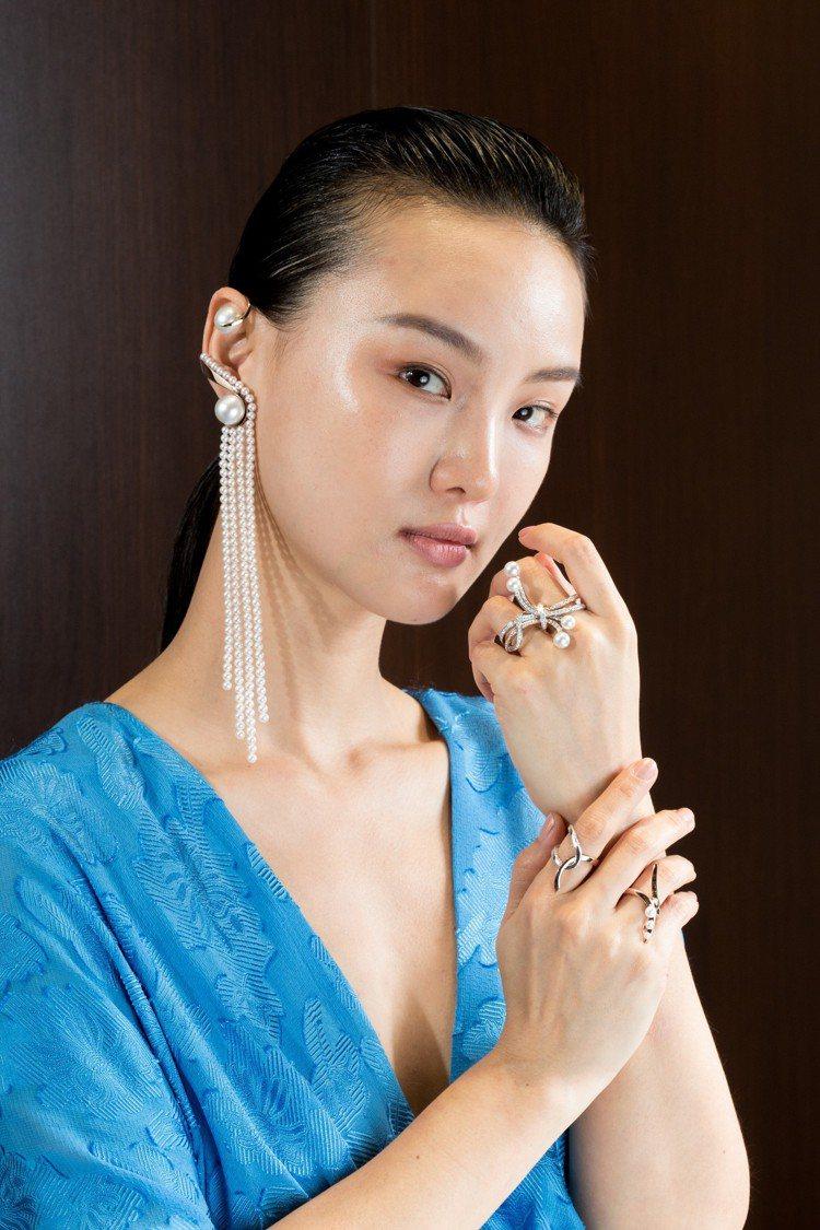 TASAKI Atelier系列造型如瀑布的珍珠耳環設計巧妙,亦可單獨購買配戴。...