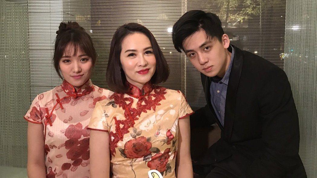 葛子楊(左)有金友莊(中)的身高和清麗外貌,右為寶弟。本報資料照