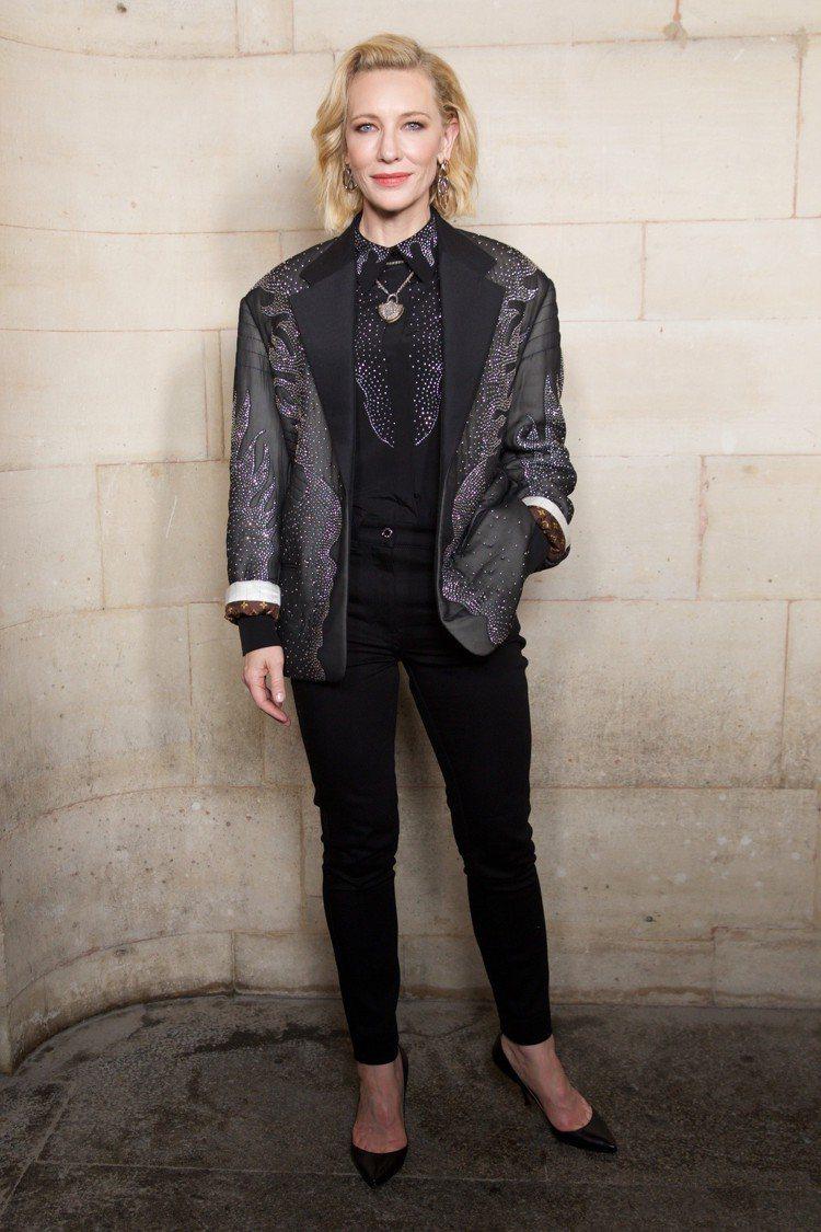 凱特布蘭琪出席路易威登大秀的穿搭瀟灑迷人。圖/LV提供