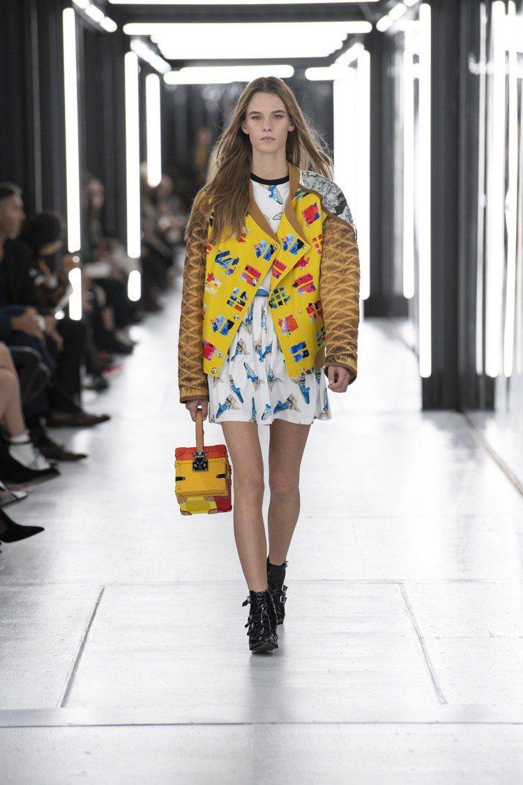 箱型包款、闊肩剪裁,仍是女裝藝術總監喜愛發揮的元素。圖/LV提供