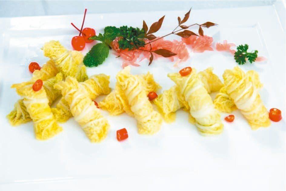 「翰林蔬卷」根據「醒園錄」酸白菜法製作而成,口味酸爽。 圖/本報四川德陽傳真