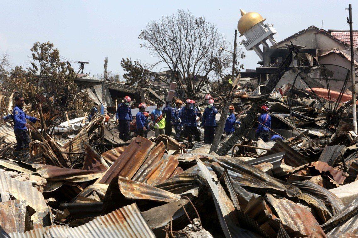 BNBP也在3日的記者會中向外界坦承,由於經費不足無法維持系統,導致監測海嘯的浮...