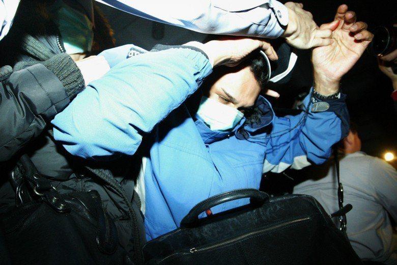 2010年英商林克穎酒駕撞死人交保,雖以限制出境作為羈押替代處分,但林克穎已於2...