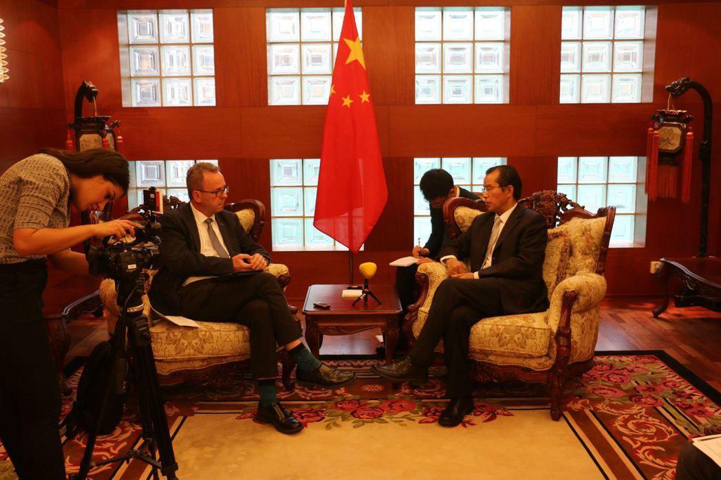2017年就任的中國駐瑞大使桂從友,對瑞典似乎十分陌生,依照他的工作經歷與出使瑞...