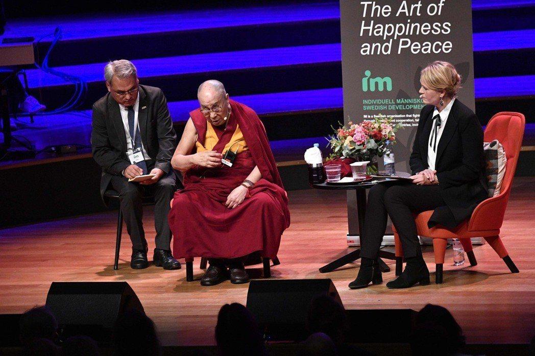 瑞典政府與民間的確仍不放棄拯救桂民海,瑞典也確實邀請達賴喇嘛到國演說,但中國長期...