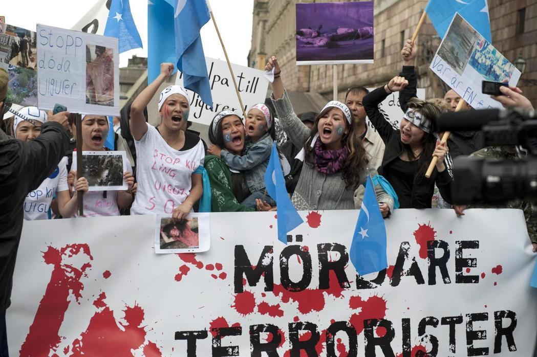 「使館惡意汙蔑桂民海與瑞典記者」事件、維吾爾族遭受壓迫,到香港港獨大遊行的新聞,...