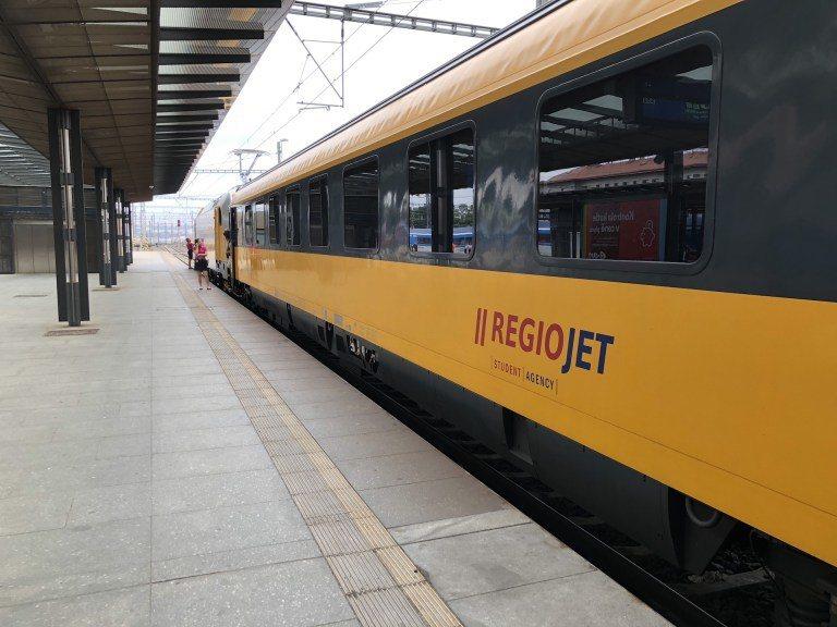 由布拉格市區,前往維也納市區的火車 圖文來自於:TripPlus