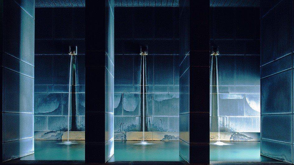星野輕井澤內的「冥想之湯」,能讓人完全放鬆。
