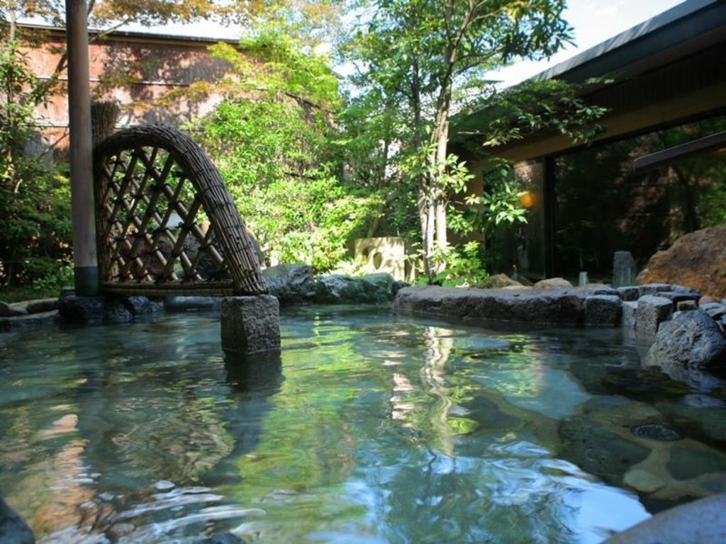 文珠莊是日本建築名家吉村順三設計的百年溫泉老店。