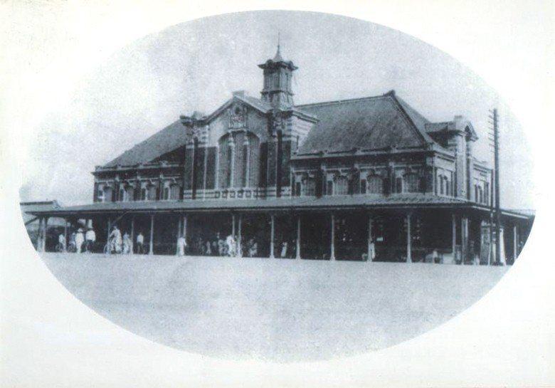 臺中火車站:第二代臺中車站完工通車於1917年,迄今超過一百年。 【圖・臺中市文...
