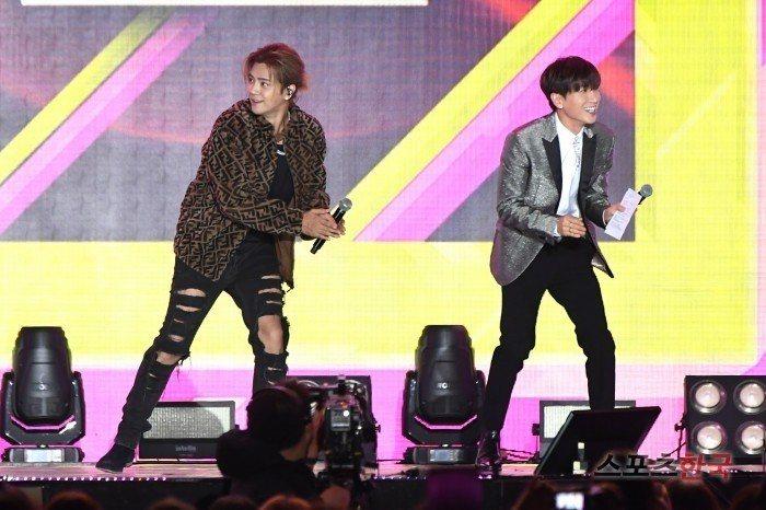 羅志祥和利特尬舞,卻因為翻譯的口音而笑到不行。圖/摘自sports韓國
